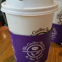 Photo taken at The Coffee Bean & Tea Leaf by Amos D. on 11/29/2014