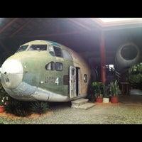 Foto tirada no(a) El Avion Restaurant por Ann B. em 10/6/2012