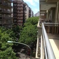 Foto tirada no(a) Avenida Corrientes por Rodolfo V. em 11/17/2012