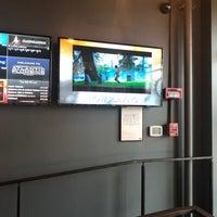 9/11/2018 tarihinde Larry F.ziyaretçi tarafından Landmark Atlantic Plumbing Cinema'de çekilen fotoğraf