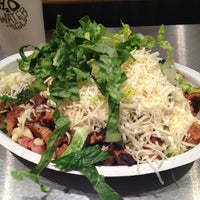 Photo taken at Chipotle Mexican Grill by ❤Fabie C. on 1/20/2013