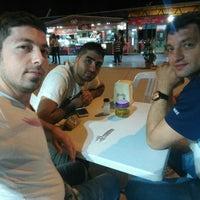 Photo taken at küçük kumla kokoreççi Ali Usta by Ercan Ö. on 7/9/2016