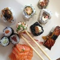 Foto tirada no(a) Sushi Pearl por Diana M. em 9/13/2013