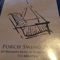 Photo prise au Porch Swing Pub par Charlie W. le8/2/2013