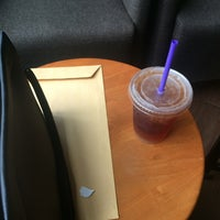Photo taken at The Coffee Bean & Tea Leaf by Vidella T. on 1/27/2017