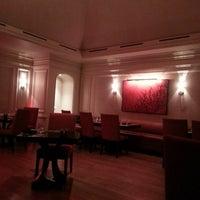 Photo taken at Fyve Restaurant & Lounge by Dex W. on 12/20/2013