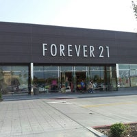 Photo taken at Forever 21 by Nia M. on 4/8/2013