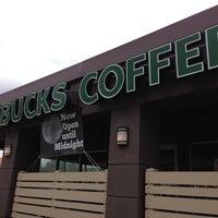 Foto tirada no(a) Starbucks por Cherry L. em 3/5/2013