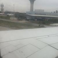 Photo taken at TK1869 IST-VCE / Turkish Airlines by Özgür Göktürk on 10/24/2015
