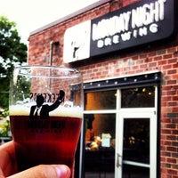Photo prise au Monday Night Brewing par Justin H. le4/22/2013