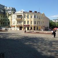 Снимок сделан в Греческая площадь пользователем Катючча 🐾 5/6/2013