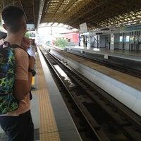 Foto tirada no(a) LRT 2 (Legarda Station) por Ryan N. em 7/5/2013
