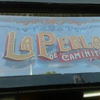 Photo taken at La Perla de Caminito by Rogerio L. on 5/12/2013