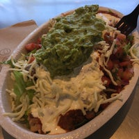 Photo taken at Chipotle Mexican Grill by Lindsay W. on 8/22/2016