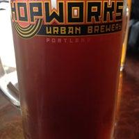 Foto tirada no(a) Hopworks Urban Brewery por Troy K. em 5/19/2013
