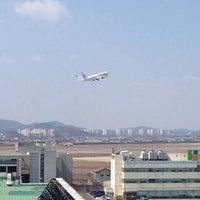 Photo taken at 김포공항전망대 by Ilkyun P. on 3/30/2014