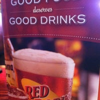 Photo taken at Red Robin Gourmet Burgers by Patty H. on 1/18/2013