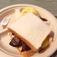 รูปภาพถ่ายที่ BBQ Revolution โดย Joe M. เมื่อ 3/15/2014