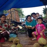 Photo taken at Sarang Duren by Ian Juanda M. on 12/14/2013