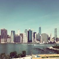 Das Foto wurde bei Brooklyn Heights Promenade von Cristiano D. am 6/23/2013 aufgenommen