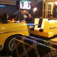 10/27/2012 tarihinde Damla Ö.ziyaretçi tarafından Big Yellow Taxi Benzin'de çekilen fotoğraf