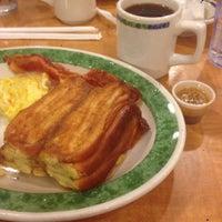 Photo taken at Eat'n Park by Dan H. on 12/24/2013