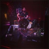 Photo prise au Bar Pink par Megan le7/13/2013