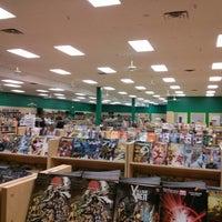 Foto tirada no(a) Dragon's Lair Comics & Fantasy por Carlos C. em 3/28/2013