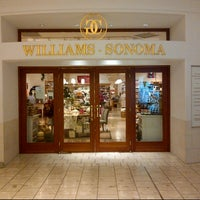 Photo taken at Williams-Sonoma by Vincent K. on 11/22/2012