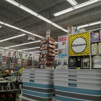 Photo taken at Bed Bath & Beyond by Vincent K. on 9/3/2017
