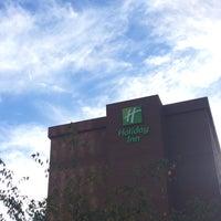 Photo taken at Holiday Inn Arlington At Ballston by Kwabena on 9/23/2014