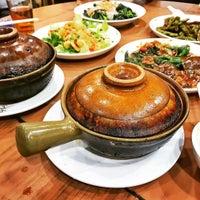 Photo taken at Kwan Kee Claypot Rice by Jamel C. on 11/1/2016