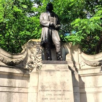 Photo taken at Isambard Kingdom Brunel statue by Louis on 6/21/2014