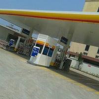 Foto tomada en SPBU Shell por Alfanso M. el 3/4/2013