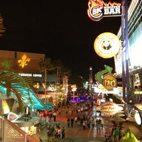 Photo taken at Universal CityWalk by ginsu on 3/18/2013