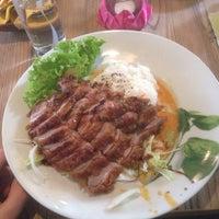Das Foto wurde bei Cô Chu Vietnamese Gourmet von Denis O. am 5/20/2017 aufgenommen