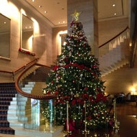 Photo taken at Sheraton Towers Singapore by Meds D. on 12/29/2012