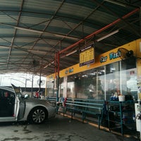Photo taken at DarulNaim Automatic car wash by Shiumie H. on 10/14/2016