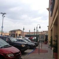 Foto tomada en Allen Premium Outlets por Nancy T. el 3/17/2013