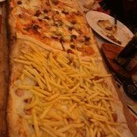 Foto tomada en Napoletani D.O.C. Restaurant & Pizzeria por Rosa M. el 1/19/2013