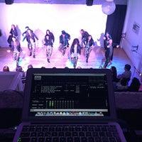 4/1/2017 tarihinde Mike N.ziyaretçi tarafından Siete Ocho Dance'de çekilen fotoğraf
