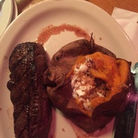 Photo taken at Texas Roadhouse by Kanyanut S. on 7/13/2017