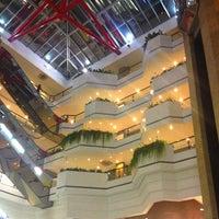 Foto tirada no(a) Beiramar Shopping por Marcell S. em 3/20/2013