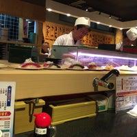 Photo taken at 江戸前回転寿司 魚臣ぎょしん 自由が丘店 by 羽堯 葉. on 3/5/2016