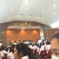 Photo taken at หอประชุมโรงเรียนวิสุทธิกษัตรี by Tang B. on 3/30/2016