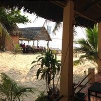 Photo taken at Viet Thanh Resort by Morris on 3/6/2013