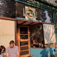 Foto tirada no(a) Arleta Library Bakery Cafe por Nick S. em 9/3/2017