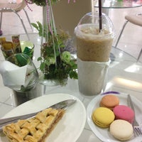 Photo taken at Chiara Coffee And Smoothies by Attaphol P. on 12/4/2012