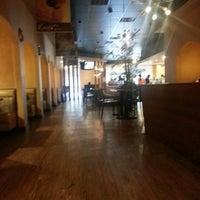 9/14/2012 tarihinde Jim D.ziyaretçi tarafından Mozart Bakery & Cafe'de çekilen fotoğraf