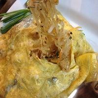 Photo taken at ภูเก้าอาหารตามสั่ง by Minieye T. on 10/7/2012
